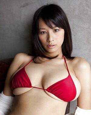 Japanese Bikini Pics