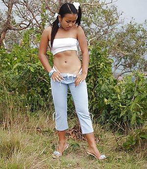 Thai Girls Pics
